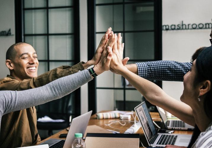 Pelaksanaan training motivasi untuk meningkatkan kinerja karyawan